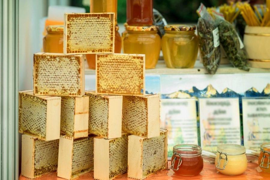 honey, beeswax, CBD gummies, cannabis gummy bears, CBD, THC, gummies, health benefits, inflammation, burns, bruises, sale, apiaries