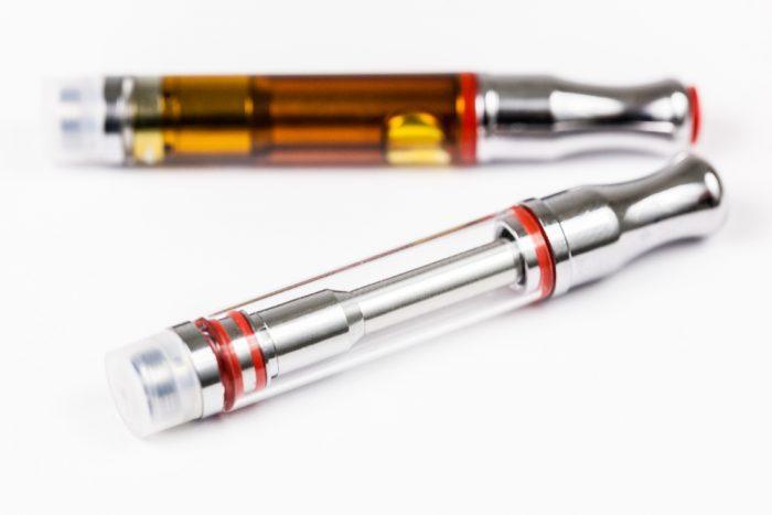 cannabis, cannabis cartridges, cannabis oil, cannabis extract, plastic wick, glass, metal, plastic, CBD, THC, health risks