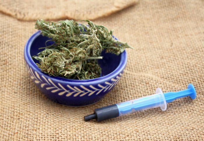 gel caps, cannabis, Rick Simpson Oil, cannabis oil, health benefits, cancer, pain, inflammation, anxiety, cannabinoids, terpenes