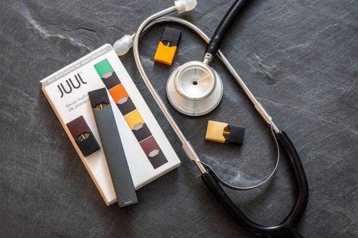 juul with stethoscope