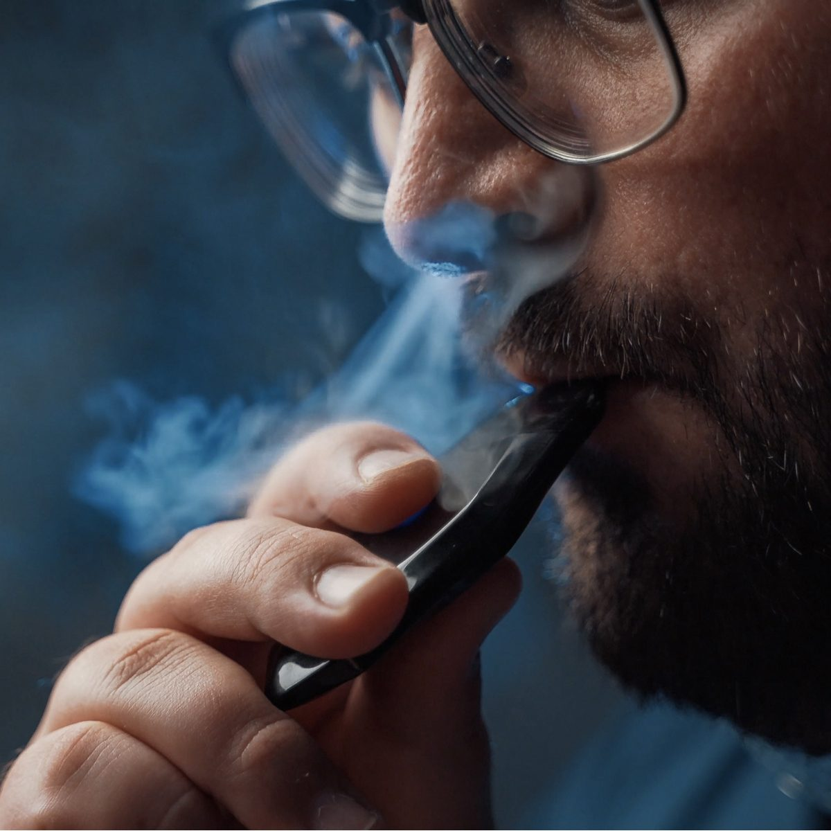 smoking kills but middle aged white guy is vaping