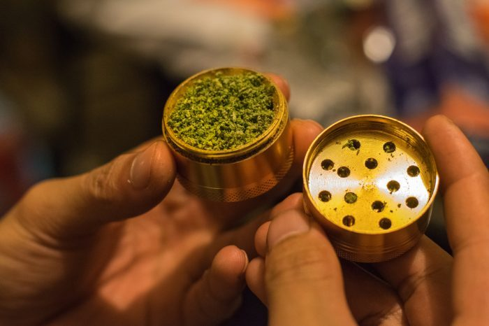 dry herb grinding for vaporizer