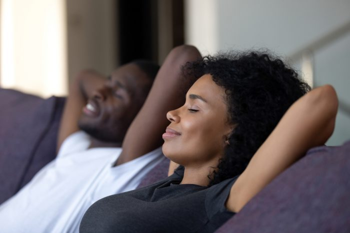 Ultimate Guide on How to Relax with Cannabis and Avoid the Paranoia