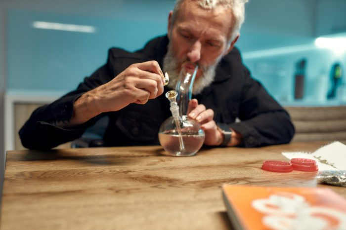 How to Smoke Cannabis 101: From Technique to Etiquette